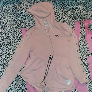 ❤Pink VS sweater and shorts set❤